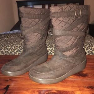 Women's SO boots  size 11